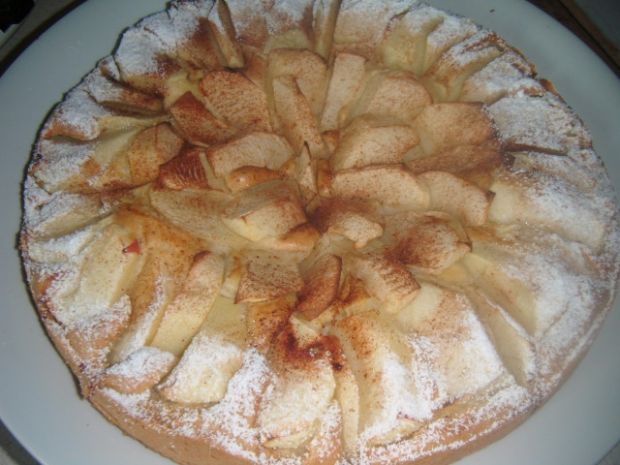 Ucierana tarta z jabłkami