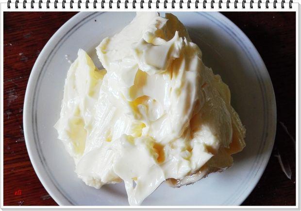 Ucierane ciasto Eli z jeżynami