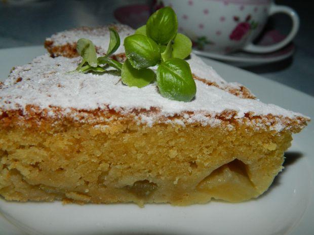 Ucierane ciasto z gruszkami