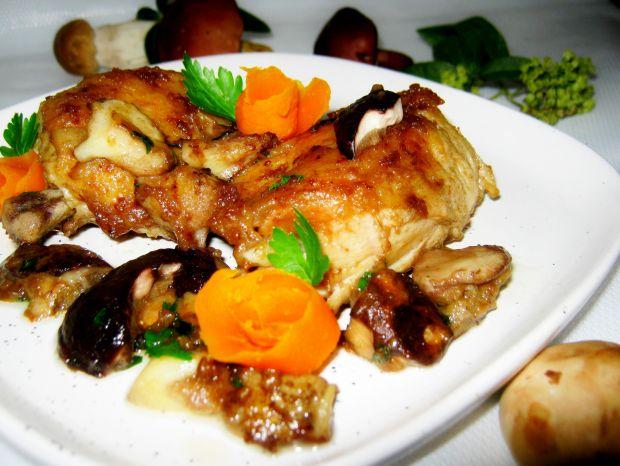 Udka kurczaka duszone z grzybami