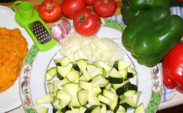Udka kurczaka w warzywach