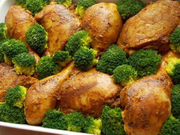 Udka na żółtym ryżu z warzywami