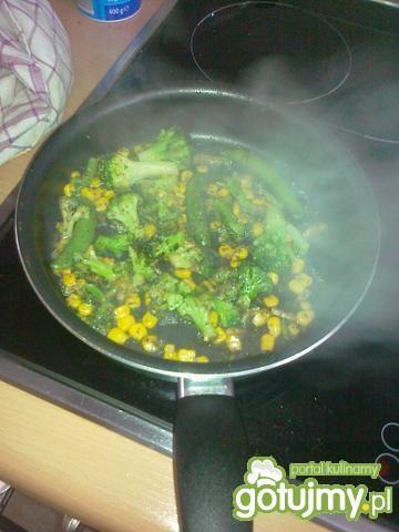 Udko Brie + orzechy + warzywa + kokardki