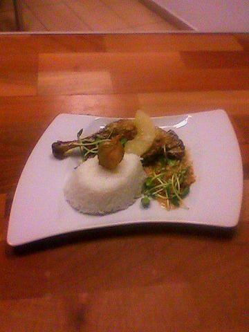 Udko z kaczki z curry i ananasem