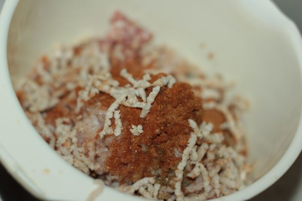 Uszka z mięsem podane w rosole