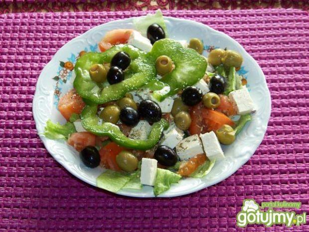 Walentynkowa sałatka grecka