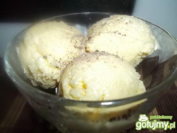 Waniliowe lody z kaszy manny