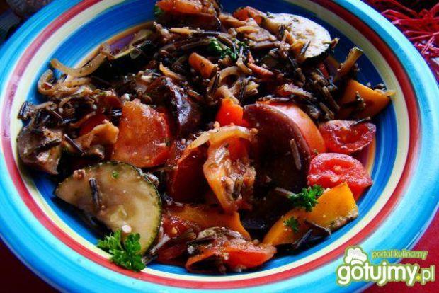 Warzywa z dzikim ryżem
