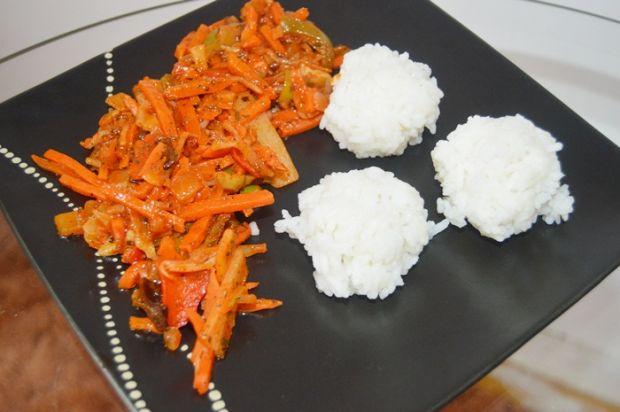 Warzywa po chińsku z ryżem