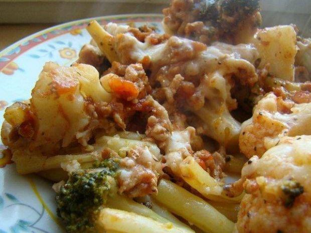 Warzywa zapiekane z sosem bolognese