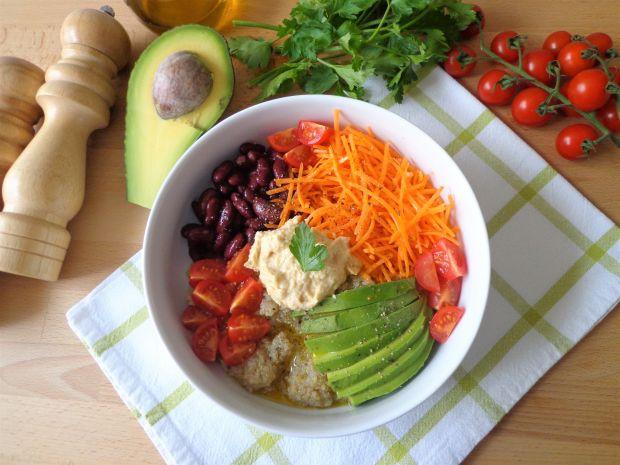 Warzywna sałatka z komosą ryżową