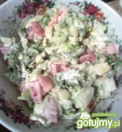 warzywna sałatka ze śmietaną