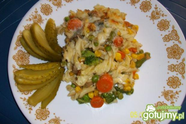 Warzywna zapiekanka z makaronem