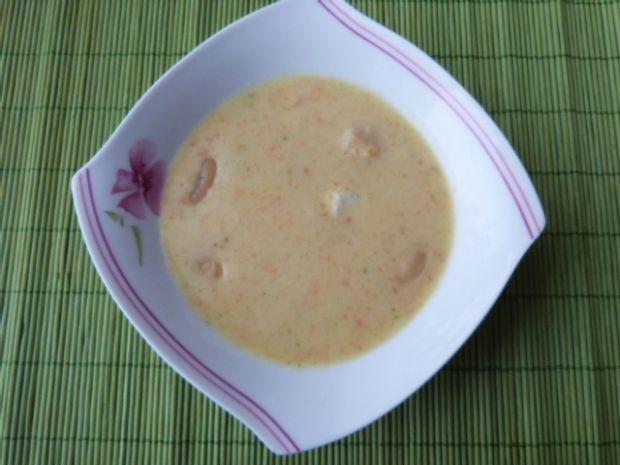 Warzywna zupa krem z fasolą