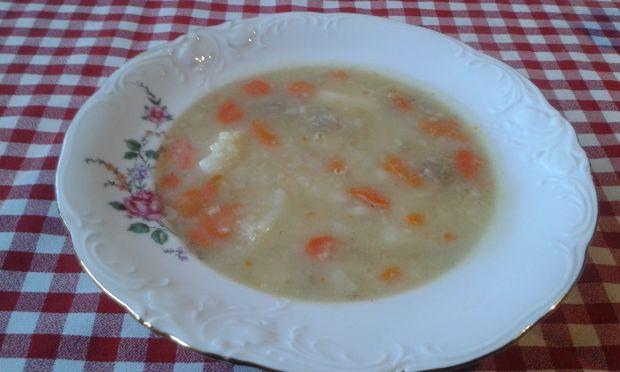 Warzywna zupa z kaszą jaglaną