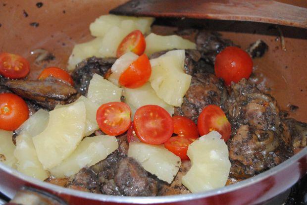 Wątróbka z ananasem na słodko