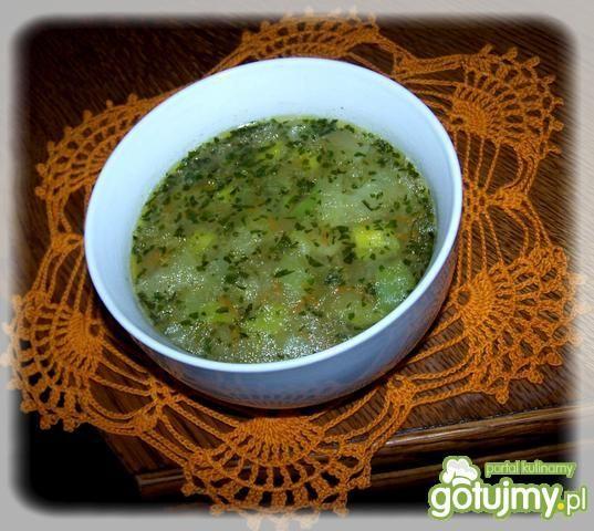 Wegańska zupa z porów.