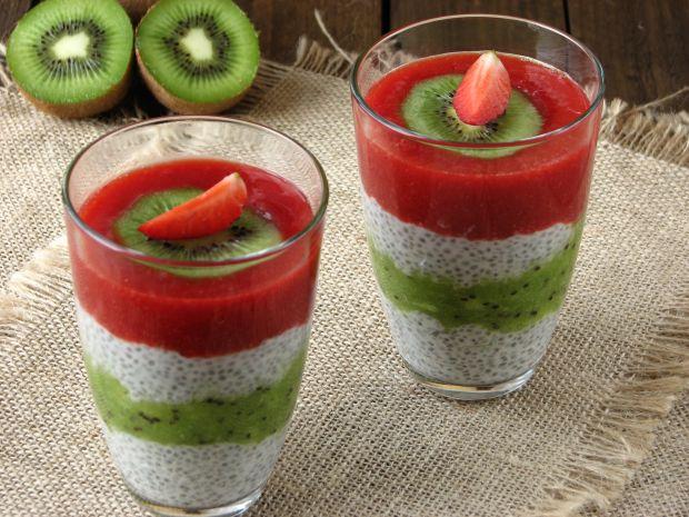 Wegański pudding z chia i musem owocowym