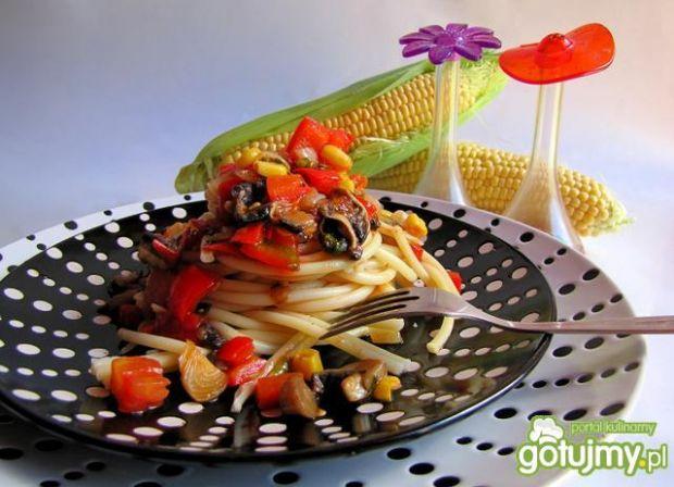 spaghetti wegetariańskie, lekkie smaczne i zdrowe