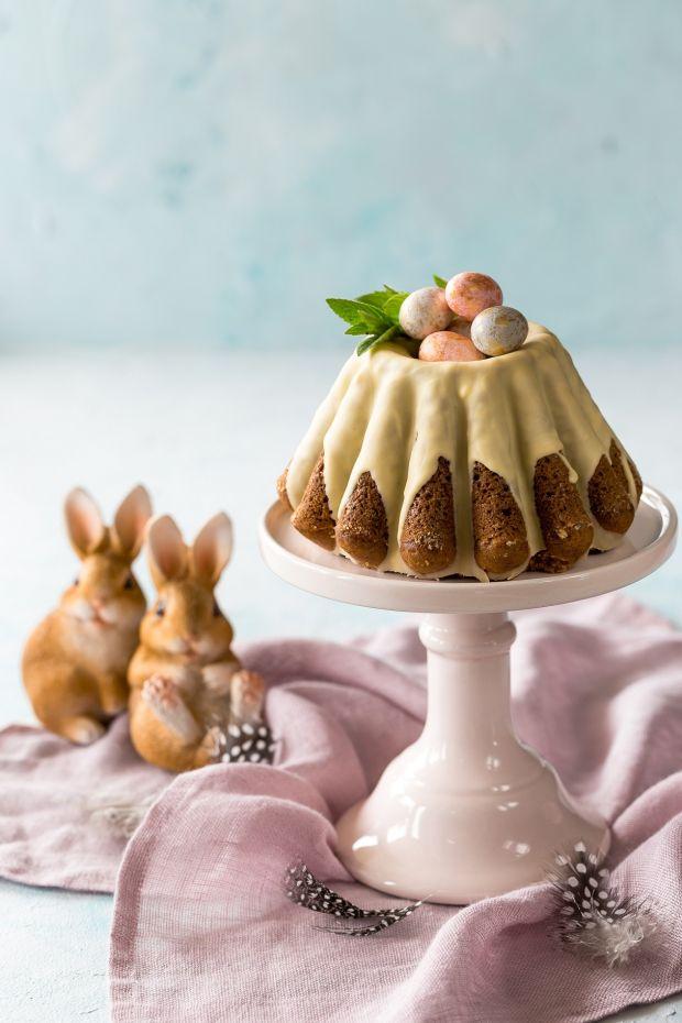 Wielkanocna babka z cukinią