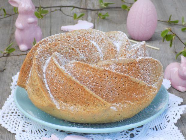 Wielkanocna babka z makiem