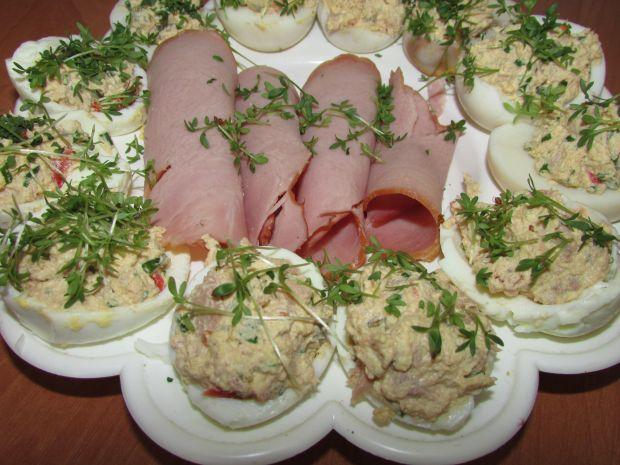 Wielkanocne jajka faszerowane z tuńczykiem
