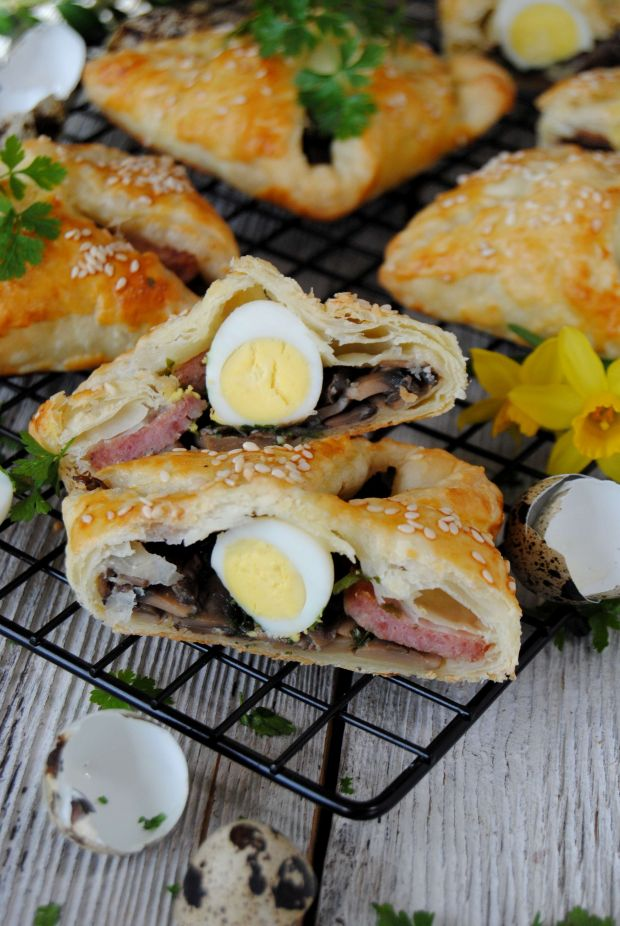 Wielkanocne paszteciki  z ciasta francuskiego