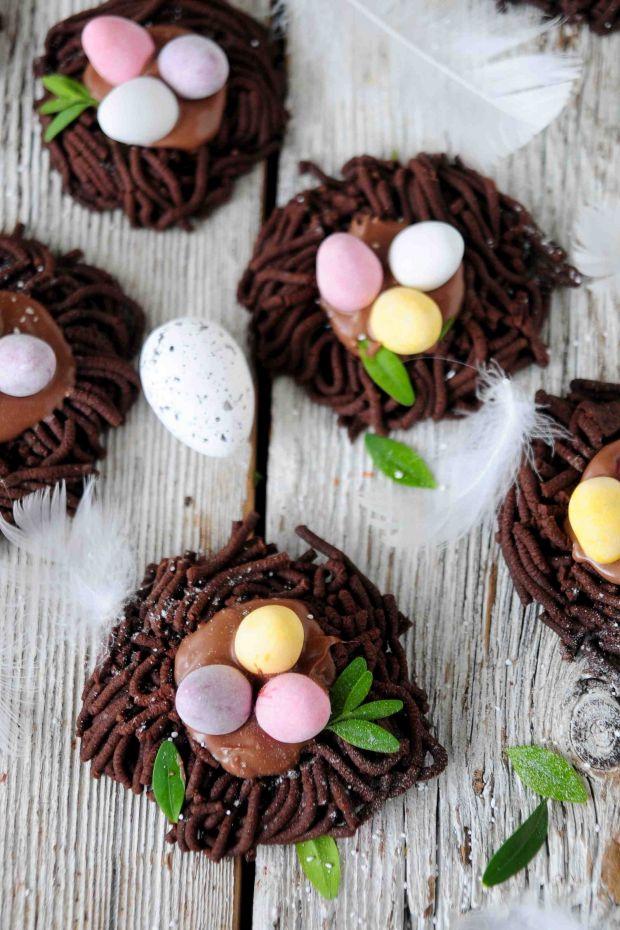 """Wielkanocne """"ptasie gniazda"""""""