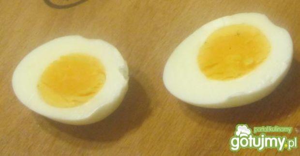 Wielkanocne rożki z farszem z jaj