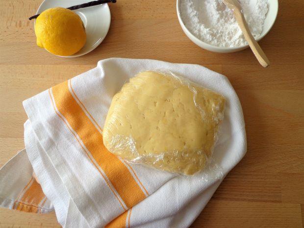 Wielkanocny sernik z ricotty i kremu pasticcera