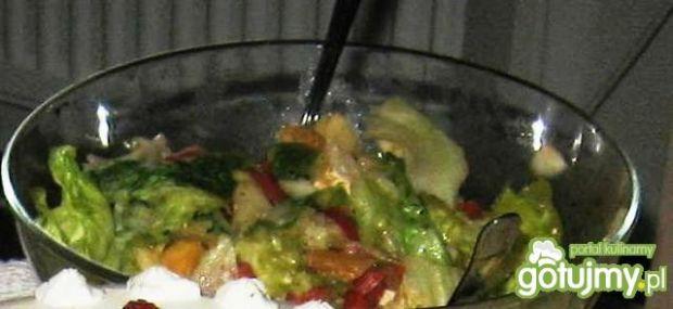 Wielobarwna salatka