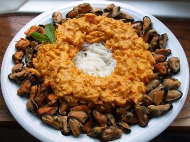 Wieniec małżowy w sosie z curry...