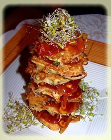 Wieża chińska z placków ryżowych.