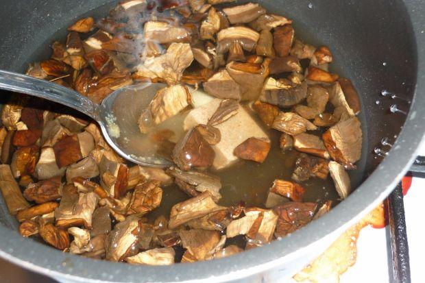 Wigilijna kapusta z fasolą i grzybami
