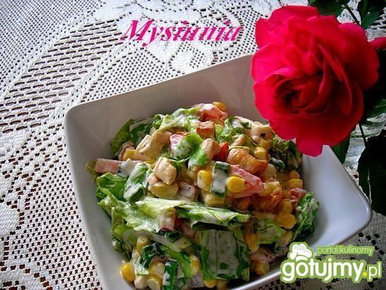 Wiosenna sałatka z kurczakiem i mozarela