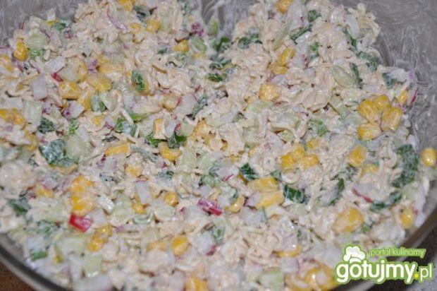 wiosenna sałatka ze szczypiorkiem
