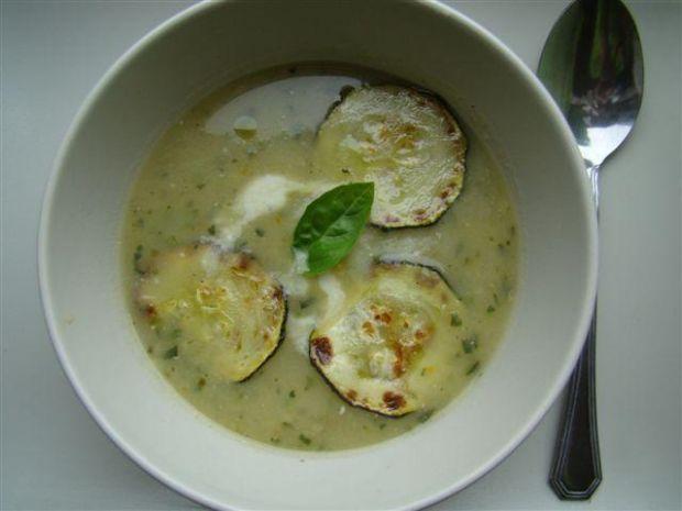 Wiosenna zupa z cukini czyli zielono mi.