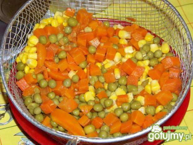 Wiosenne jajka z warzywami w majonezie;)