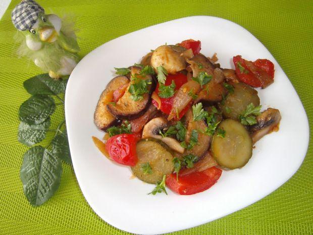 Wiosenny gulasz warzywny