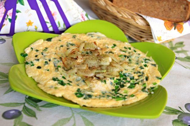 Wiosenny omlet z cebulą dymką