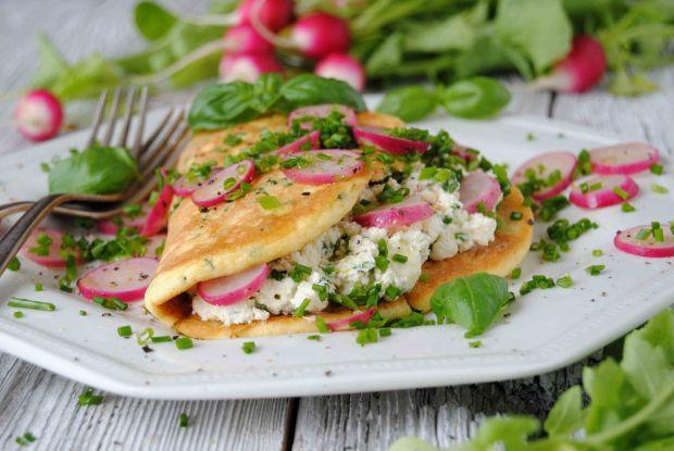 Wiosenny omlet z rzodkiewką