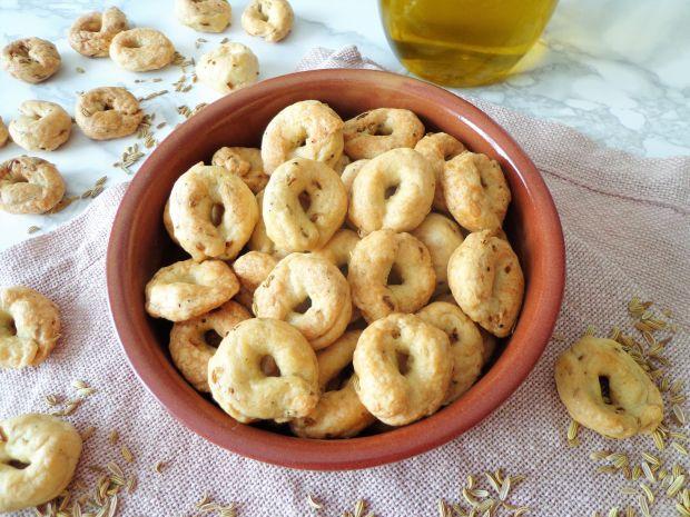 Włoskie taralli z nasionami kopru włoskiego