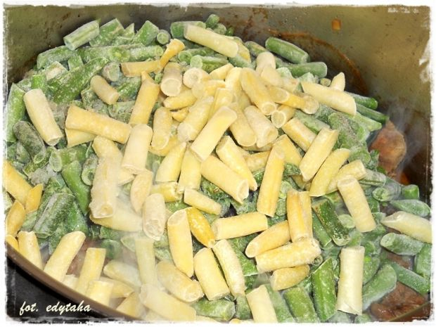 Wołowina z fasolką szparagową i cząbrem