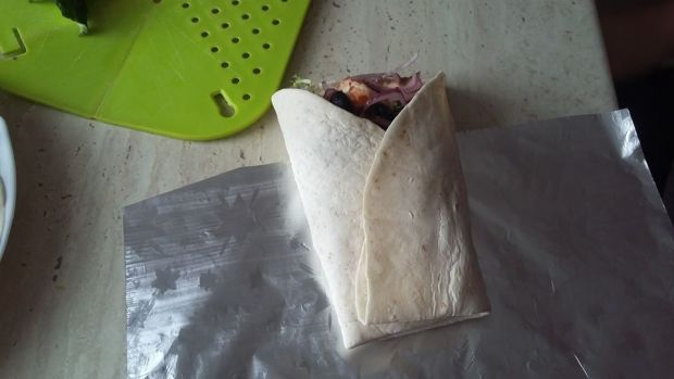 Wrapy z tortilli z łososiem