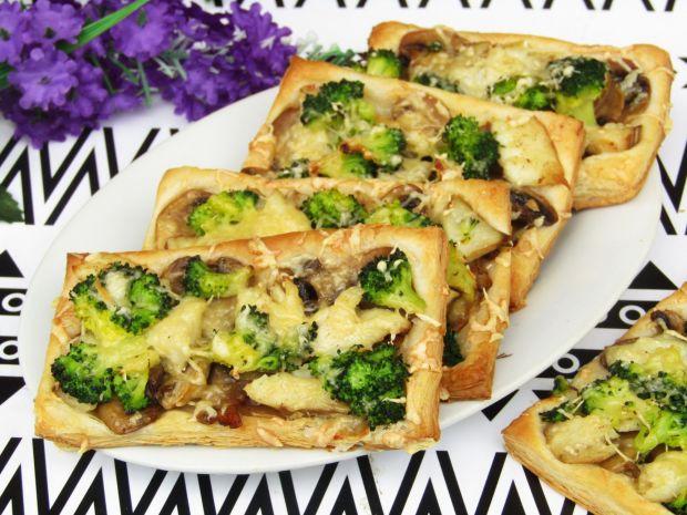 Wytrawne ciastka francuskie z brokułem i rybą