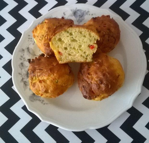Wytrawne muffinki z cukinią i papryką