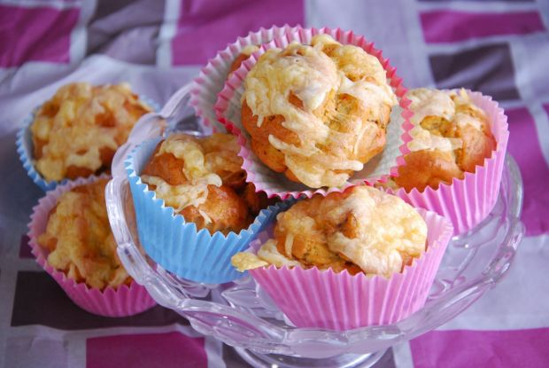 Wytrawne muffinki z suszonymi pomidorami