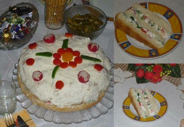 Wytrawny tort twarogowo-warzywny