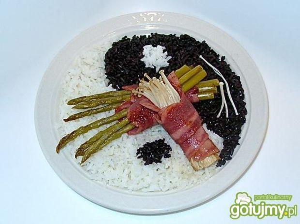 Yin-yang ryż, enoki i szparagi