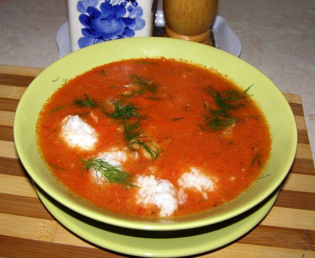 Z pomidorów zupa na maśle i śmietanie